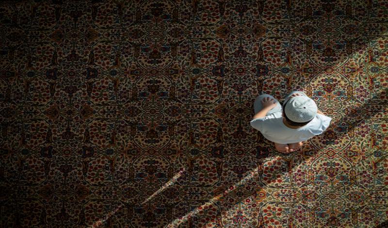 https: img.okezone.com content 2021 04 28 330 2402230 itikaf-di-10-hari-terakhir-sesibuk-apapun-siapkan-waktu-30-menit-saja-di-masjid-hYQdeLD1eW.jpg