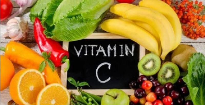 https: img.okezone.com content 2021 04 28 481 2402362 vitamin-c-zat-gizi-yang-tak-bisa-diproduksi-tubuh-f6jbLEWv53.jpg