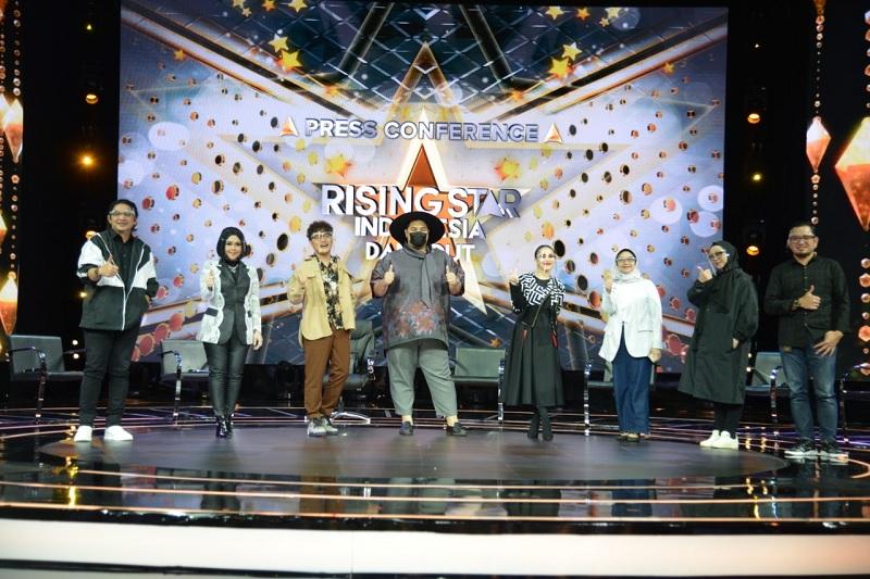 https: img.okezone.com content 2021 04 28 598 2401941 rising-star-indonesia-dangdut-manjakan-penonton-dengan-teknologi-termutakhir-45DFLEbOa6.jpg