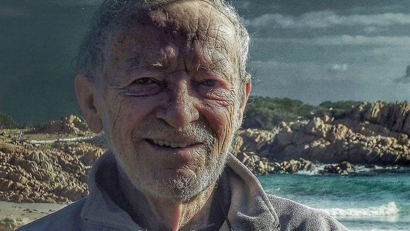 https: img.okezone.com content 2021 04 29 18 2402682 usai-hidup-sendiri-di-pulau-selama-32-tahun-pria-ini-siap-untuk-pergi-Wxf847DoQv.jpg