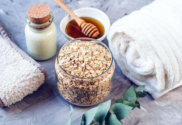 https: img.okezone.com content 2021 04 29 611 2403120 yuk-mandi-oatmeal-ini-manfaatnya-untuk-kesehatan-kulit-6fkRPOJmwq.jpg