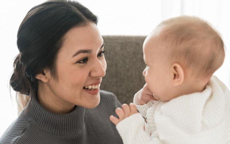 https: img.okezone.com content 2021 04 29 612 2402739 curhat-raisa-setelah-menjadi-ibu-aku-baru-sadar-banget-pRNpaadjEC.jpg