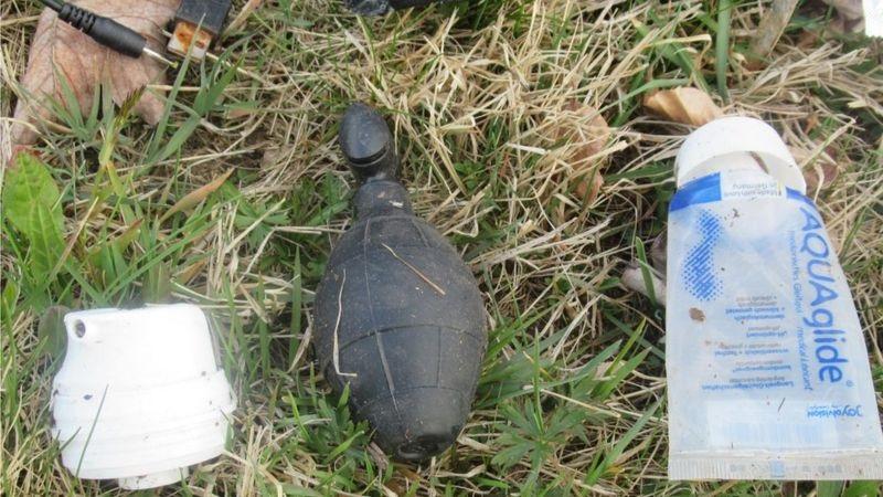 https: img.okezone.com content 2021 04 30 18 2403195 polisi-jerman-temukan-bom-granat-di-hutan-bikin-geger-eh-ternyata-alat-bantu-seks-YflJVUoN2O.jpg
