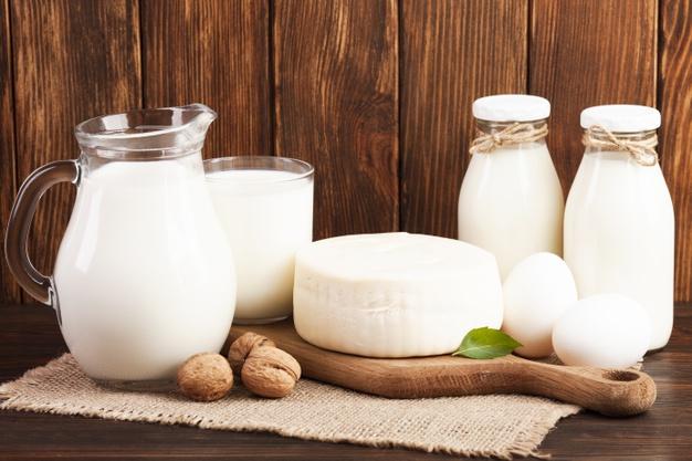 https: img.okezone.com content 2021 04 30 298 2403296 jangan-berhenti-minum-susu-6-manfaat-kesehatan-ini-akan-didapat-jhCN9QMUhI.jpg