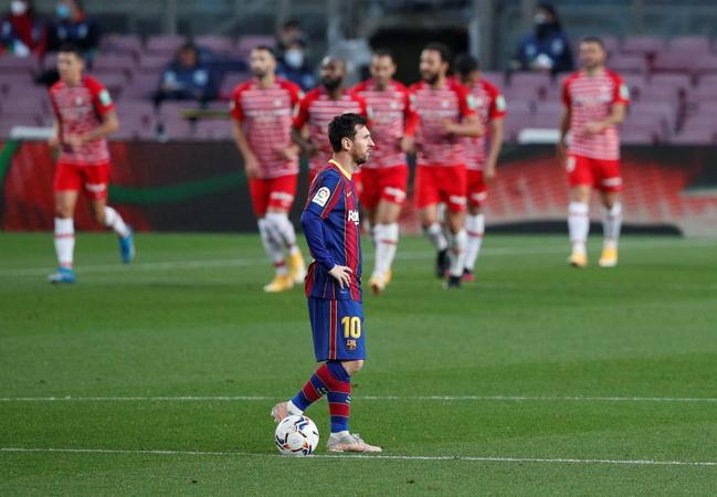 https: img.okezone.com content 2021 04 30 46 2403219 penyebab-barcelona-kalah-1-2-dari-granada-gagal-puncaki-klasemen-liga-spanyol-l5Kaic2Afe.jpg