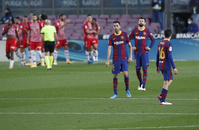 https: img.okezone.com content 2021 04 30 46 2403230 menangkan-5-pertandingan-sisa-ronald-koeman-barcelona-juara-liga-spanyol-2020-2021-A1gtOuAos9.jpg