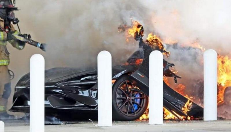 https: img.okezone.com content 2021 04 30 52 2403457 baru-dibeli-supercar-langka-mclaren-765lt-seharga-rp5m-terbakar-di-pom-bensin-jdduXjMXMA.jpg