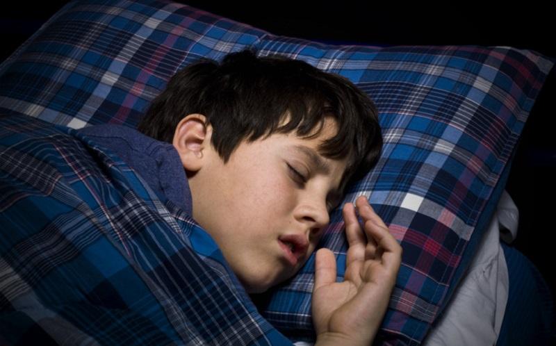 https: img.okezone.com content 2021 04 30 612 2403550 pentingnya-tidur-berkualitas-ini-berbagai-risiko-gangguan-tidur-yang-perlu-diwaspadai-GNujgvfQhN.jpg