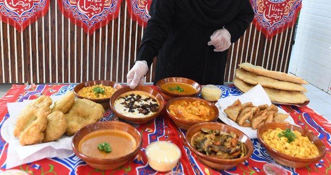 https: img.okezone.com content 2021 05 01 301 2403883 deretan-kuliner-tradisional-tabuk-untuk-buka-puasa-dan-sahur-tgCNqiy66o.jpg