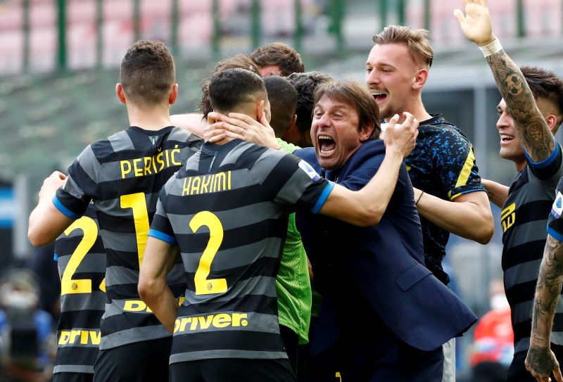 https: img.okezone.com content 2021 05 01 47 2403799 inter-milan-selangkah-lagi-juara-liga-italia-2020-2021-zanetti-conte-luar-biasa-Qin4g06Iam.JPG