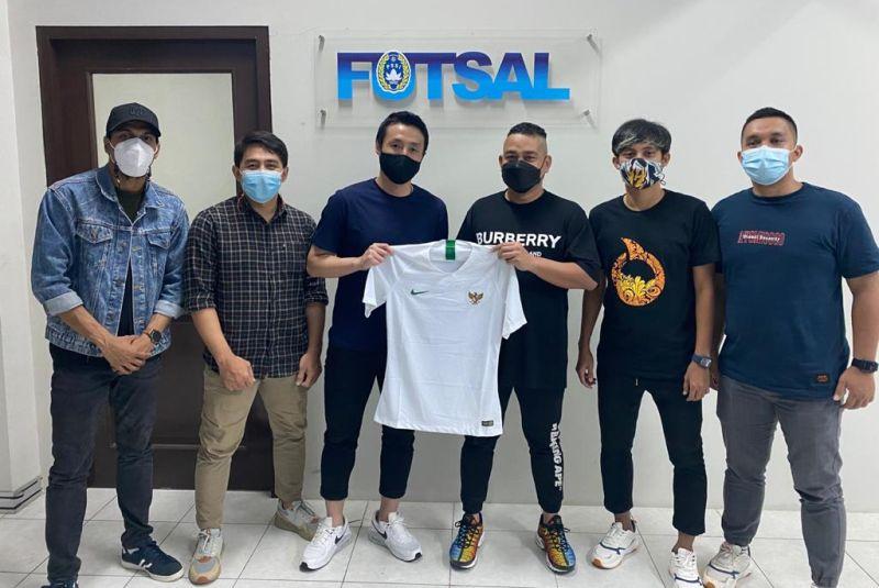 https: img.okezone.com content 2021 05 01 51 2403942 4-pemain-senior-futsal-kecewa-afc-tidak-gelar-kualifikasi-piala-dunia-futsal-dan-tidak-ikutkan-indonesia-ke-lithuania-ML0vPk0tnA.jpg