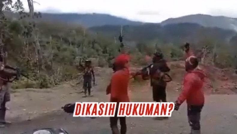 https: img.okezone.com content 2021 05 02 337 2404406 beredar-video-kkb-papua-tembaki-warga-terluka-hingga-tewas-DxKxAVgAw2.jpg