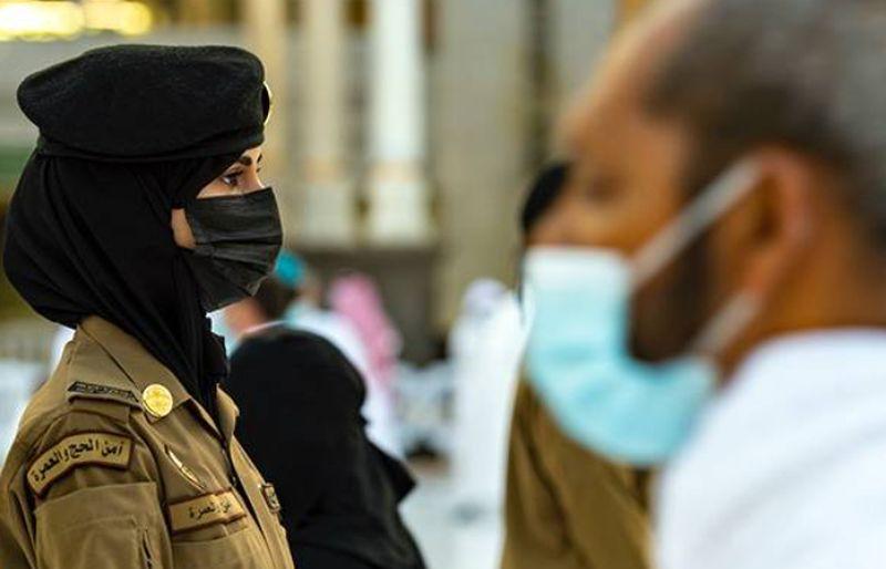 https: img.okezone.com content 2021 05 02 406 2404364 mimpi-mulia-warga-saudi-ingin-anak-perempuannya-jadi-tentara-penjaga-masjidil-haram-9ktJnLkPL9.jpg