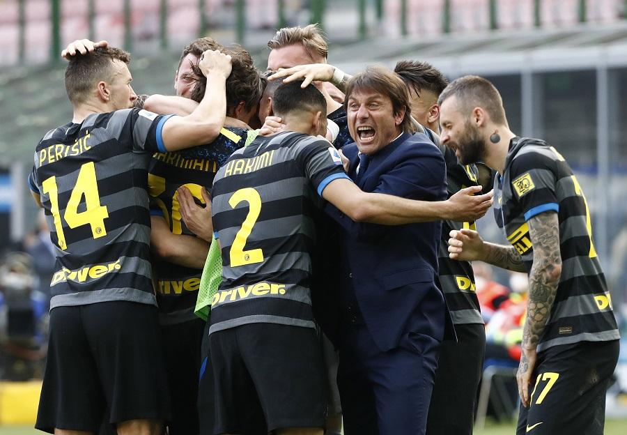 https: img.okezone.com content 2021 05 02 47 2404450 juara-liga-italia-2020-2021-inter-milan-akhiri-penantian-11-tahun-UQM88U90de.jpg