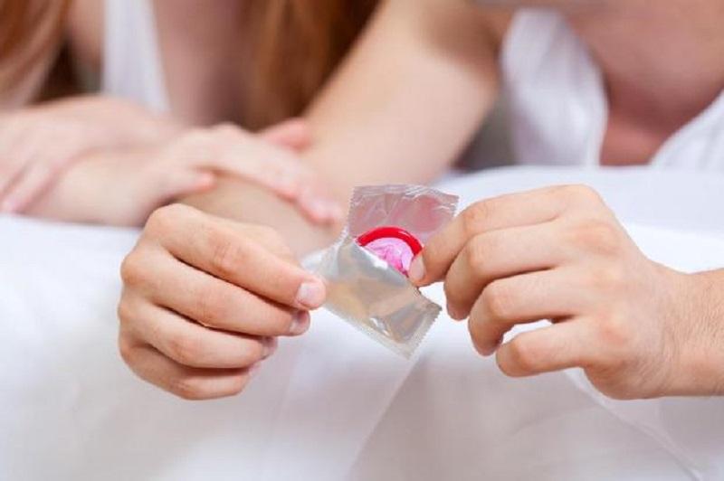 https: img.okezone.com content 2021 05 02 612 2404404 alat-kontrasepsi-masa-depan-kondom-yang-melumas-sendiri-R1Q5PO2z9g.jpg