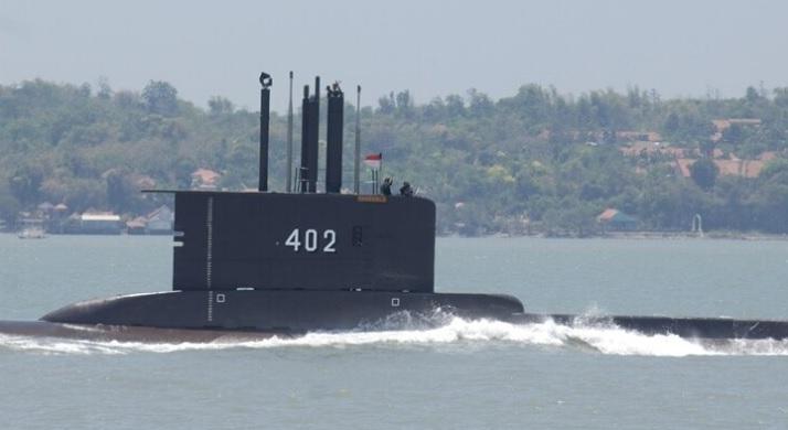 https: img.okezone.com content 2021 05 03 337 2404679 ramai-ramai-patungan-beli-kapal-selam-rakyat-indonesia-pernah-menyumbang-pesawat-ORskYDWoq8.jpg