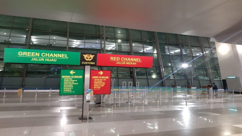 https: img.okezone.com content 2021 05 03 337 2404964 jelang-aturan-larangan-mudik-berlaku-bandara-soetta-terapkan-sistem-buka-tutup-JbIWEsNjXz.jpg