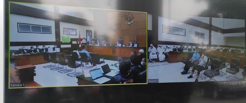 https: img.okezone.com content 2021 05 03 338 2404691 ketua-barisan-kesatria-nusantara-eks-ketua-hilal-merah-indonesia-bersaksi-dalam-sidang-habib-rizieq-LHuAqZDuia.jpg