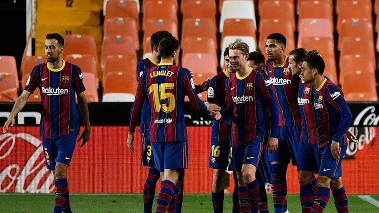 https: img.okezone.com content 2021 05 03 46 2404497 messi-dua-gol-barcelona-menang-tipis-di-markas-valencia-SLycCETPa0.jpg