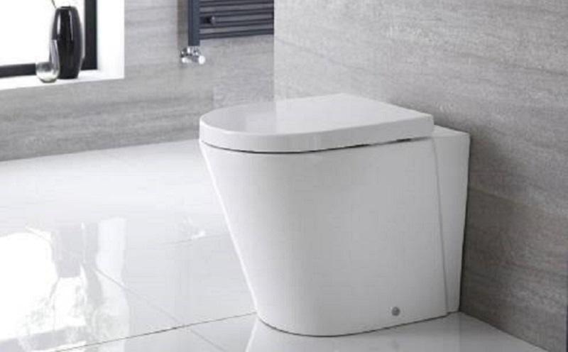 https: img.okezone.com content 2021 05 03 481 2404710 pentingnya-menutup-tutup-toilet-sebelum-menyiram-di-tengah-pandemi-covid-19-DqYTFhr4MQ.jpg