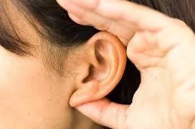 https: img.okezone.com content 2021 05 03 481 2405080 sering-mendengar-bunyi-mendengung-hingga-mendesis-waspada-tinnitus-SbeFaotDNU.jpeg