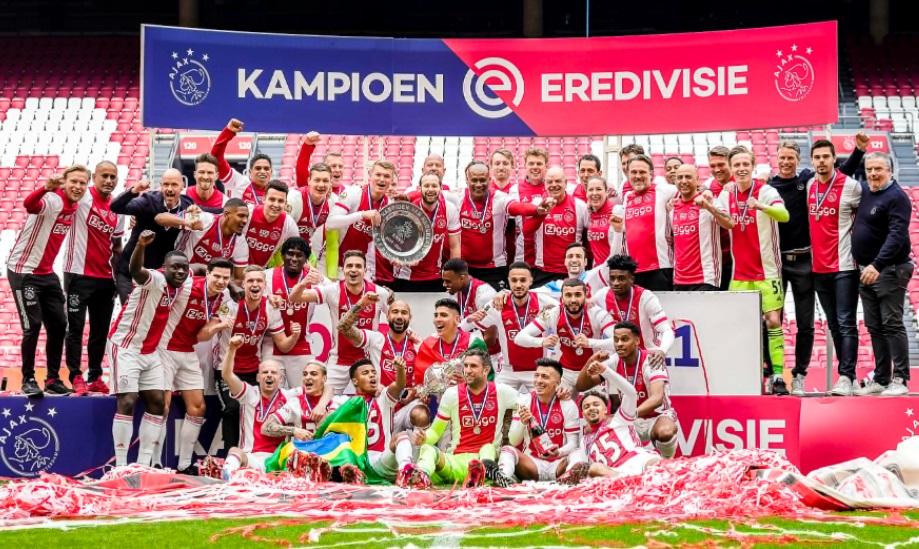 https: img.okezone.com content 2021 05 03 51 2404476 ajax-amsterdam-pastikan-gelar-juara-liga-belanda-2020-2021-P2wlVRiomH.jpg