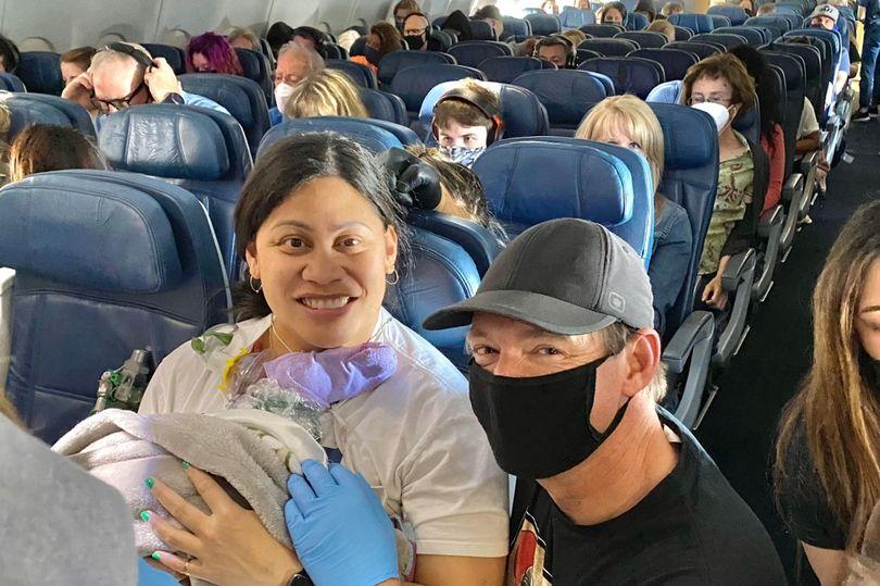 https: img.okezone.com content 2021 05 04 18 2405299 wanita-ini-tidak-tahu-dirinya-hamil-dan-melahirkan-di-penerbangan-IZCvt2GtK4.jpg