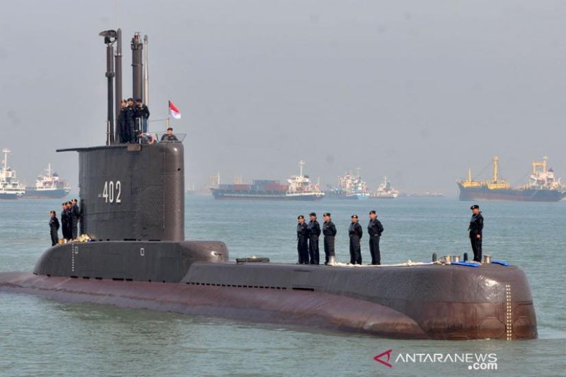https: img.okezone.com content 2021 05 04 337 2405666 tni-al-tidak-gegabah-evakuasi-kri-nanggala-402-karena-torpedo-masih-aktif-YfOH33SQ98.jpg
