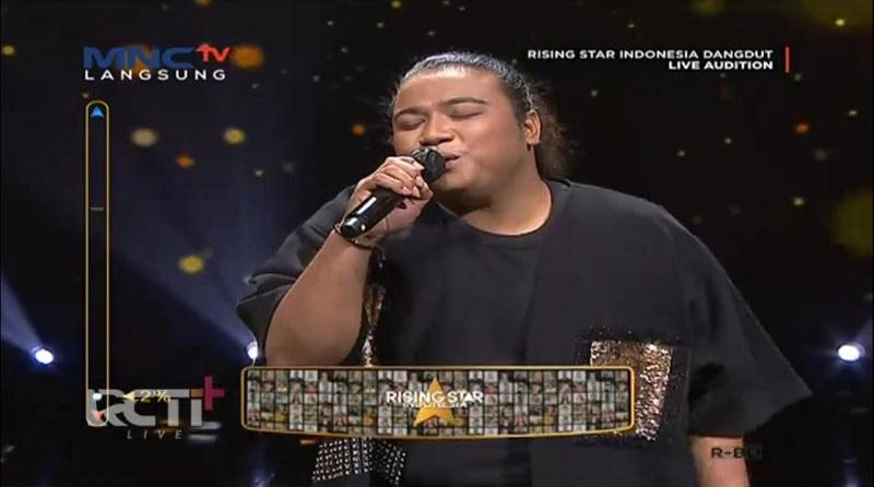 https: img.okezone.com content 2021 05 04 598 2405644 bawa-2-karakter-suara-peserta-ini-gagal-di-live-audition-rising-star-indonesia-dangdut-AC8lf97DeB.jpg