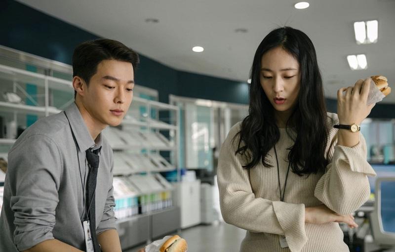 https: img.okezone.com content 2021 05 05 206 2405767 film-baru-jang-ki-yong-dan-krystal-rilis-trailer-resmi-1UUYzAyYKi.jpg
