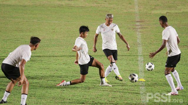https: img.okezone.com content 2021 05 05 51 2406198 8-pemain-belum-gabung-tc-timnas-indonesia-salah-satunya-egy-maulana-vikri-jC1HOCotxO.jpg