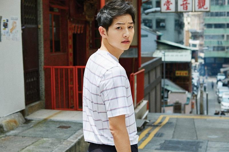 https: img.okezone.com content 2021 05 06 205 2406454 song-joong-ki-jadi-model-video-musik-lagu-baru-heize-U7MQYe5KER.jpg