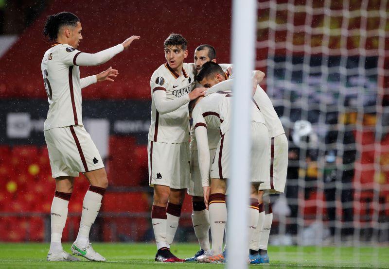 https: img.okezone.com content 2021 05 07 51 2406906 pemain-as-roma-ini-pede-bisa-kalahkan-man-united-4-0-di-olimpico-CqaHqgly0b.JPG