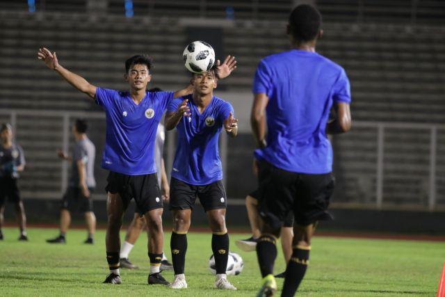 https: img.okezone.com content 2021 05 07 51 2407123 2-nama-dicoret-ini-4-pemain-baru-yang-gabung-tc-timnas-indonesia-hYtOtRwh9i.jpg