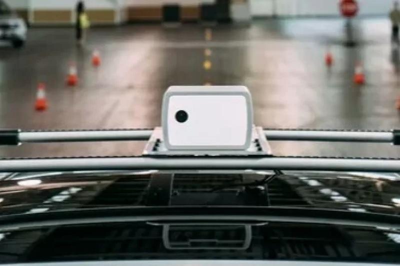 https: img.okezone.com content 2021 05 07 52 2407118 sensor-ini-diklaim-bisa-deteksi-kendaraan-berjarak-lebih-dari-500-meter-EbUZf99Yp5.jpg