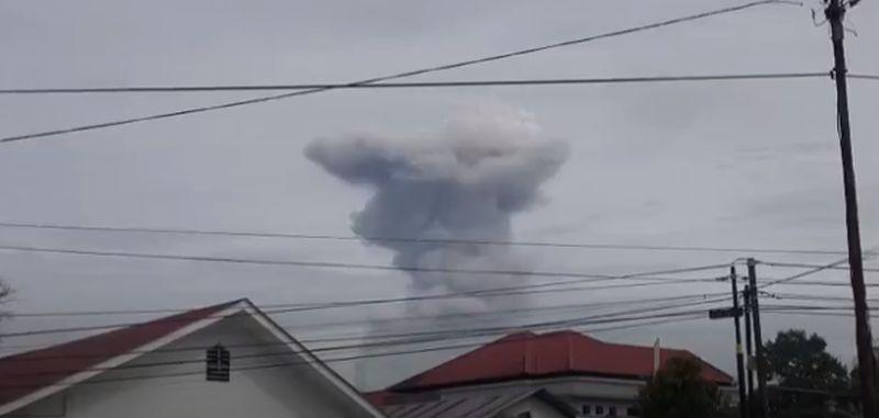 https: img.okezone.com content 2021 05 07 608 2407366 gunung-sinabung-muntahkan-abu-vulkanik-sejauh-2-800-meter-yfXYA2kB9y.jpg