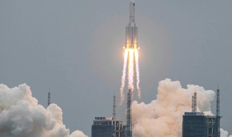 https: img.okezone.com content 2021 05 08 18 2407567 roket-china-mungkin-akan-jatuh-ke-bumi-pada-akhir-pekan-ini-SYtWSisDZb.jpg