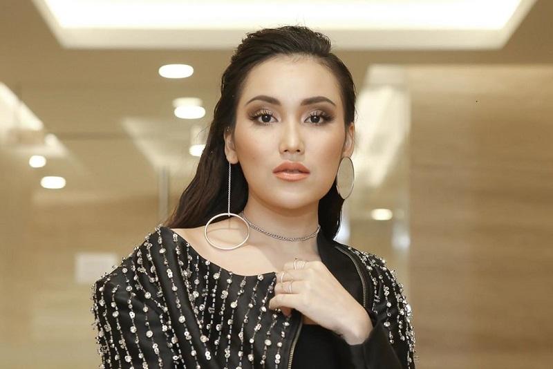 https: img.okezone.com content 2021 05 08 598 2407620 ayu-ting-ting-bangga-jadi-expert-rising-star-indonesia-dangdut-TFyWcLQCj7.jpg