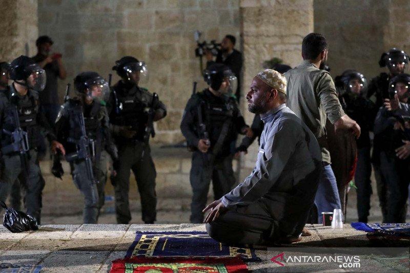 https: img.okezone.com content 2021 05 09 18 2407881 saudi-uae-kecam-tindakan-israel-usir-warga-palestina-eNVMzJAw2u.jpg