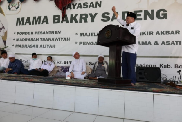 https: img.okezone.com content 2021 05 09 337 2408064 ketua-dpd-ri-ulama-dan-kiai-berperan-penting-dalam-kemerdekaan-indonesia-t8K5WfJACb.jpg