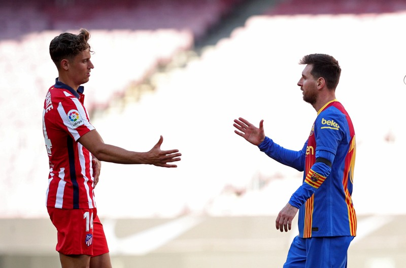https: img.okezone.com content 2021 05 09 46 2407875 klasemen-liga-spanyol-barcelona-dan-real-madrid-masih-bayangi-atletico-madrid-m8DmUkSHHt.JPG