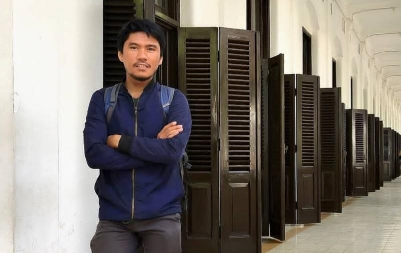 https: img.okezone.com content 2021 05 09 612 2408090 kisah-pemuda-batak-merantau-ke-jawa-demi-gelar-doktor-kxKLYsp7jS.jpg
