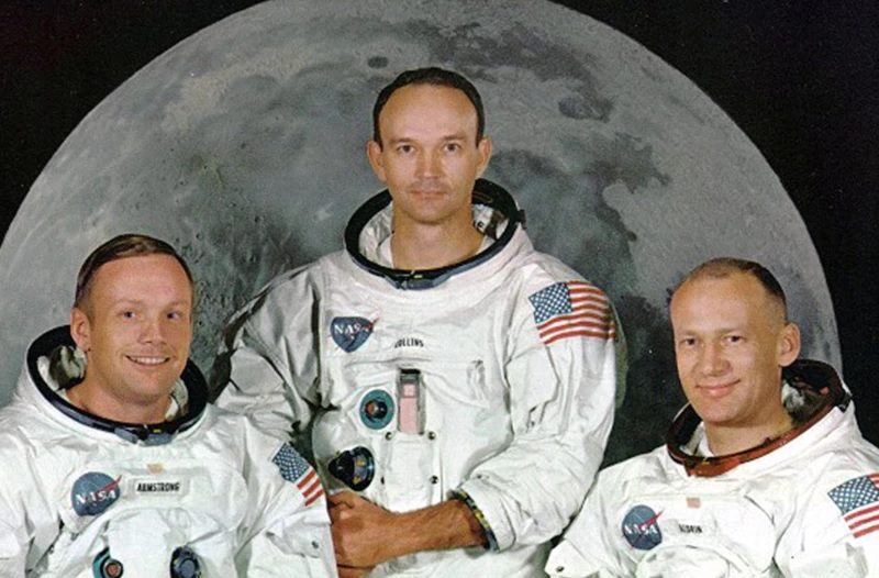 https: img.okezone.com content 2021 05 10 18 2408190 kenang-astronot-michael-collins-kampus-ini-pajang-memorabilia-di-perpustakaan-WrkBxo1tu5.jpg
