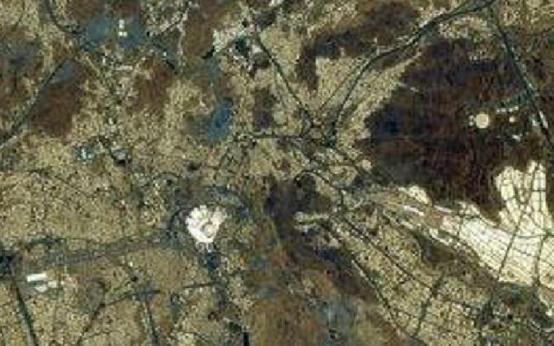 https: img.okezone.com content 2021 05 10 18 2408205 ini-foto-kakbah-dari-luar-angkasa-hasil-jepretan-astronot-jepang-1m7grjVwbV.jpg