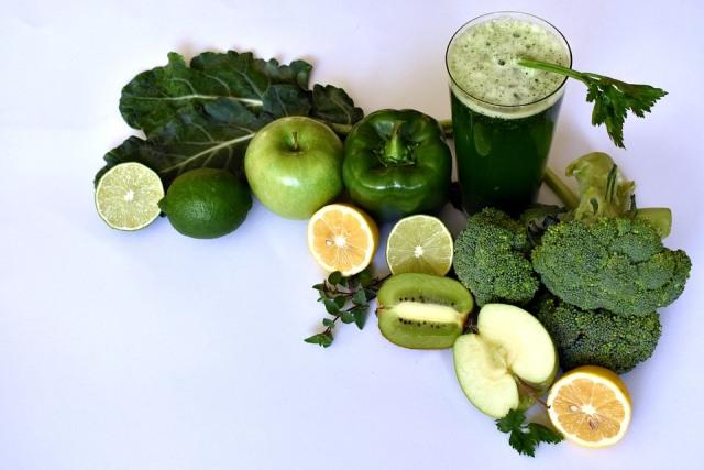 https: img.okezone.com content 2021 05 10 298 2408585 ini-dia-deretan-sayuran-yang-baik-dijadikan-smoothie-Ka325Vvx5L.jpg