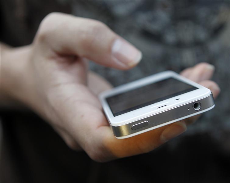 https: img.okezone.com content 2021 05 11 16 2408935 rekomendasi-ponsel-harga-rp1-jutaan-yang-cocok-untuk-digunakan-di-hari-lebaran-F0S1TwgCbE.jpg