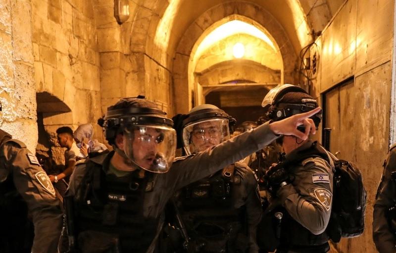 https: img.okezone.com content 2021 05 11 18 2408794 bentrokan-di-yerusalem-29-anak-palestina-terluka-8-ditangkap-mV7ogs0oc8.jpg
