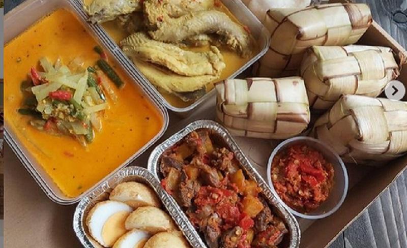 https: img.okezone.com content 2021 05 11 298 2408922 5-jenis-makanan-lezat-untuk-dimakan-bersama-ketupat-lebaran-Q5zzXW5FaN.jpg