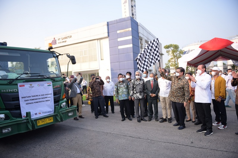 https: img.okezone.com content 2021 05 11 320 2408792 duta-besar-india-apresiasi-bantuan-tabung-oksigen-dari-indonesia-QotQLOFESz.jpg
