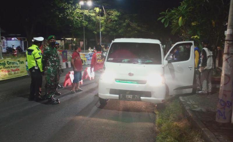 Nekat Angkut Pemudik, 2 Travel Gelap Terjaring Petugas di Kuningan : Okezone News